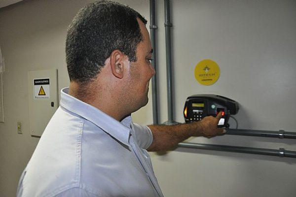 TCU falhas controle frequência servidores hospitais RJ